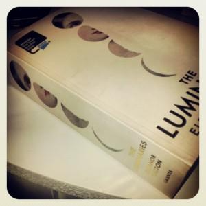 832 sider i en kjempe - paperback.